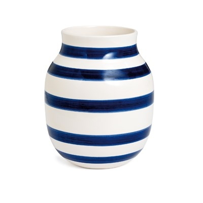omaggio_vase_h200_midnight_blue_12504