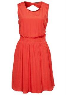 Find billige kjoler på nettet
